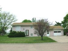 605 S 9th St, Onida, SD 57564