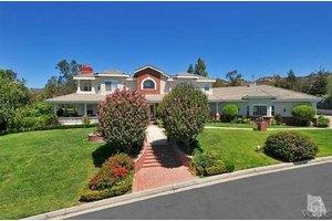 10489 Summer View Cir, Camarillo, CA 93012