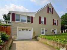 36 N Marwood Rd Unit Upper, Port Washington, NY 11050