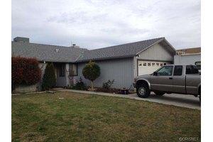 1140 Salisbury Pl, Porterville, CA 93257