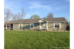11395 E Calloway Rd, Salem, IN 47167