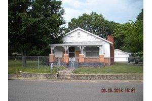 1109 N Jackson St, Clarksville, AR 72830