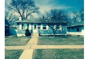 3668 Monroe St, Lansing, IL 60438