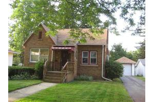 312 E Center St, Mount Morris, IL 61054