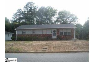 106 Chester St, Spartanburg, SC 29301