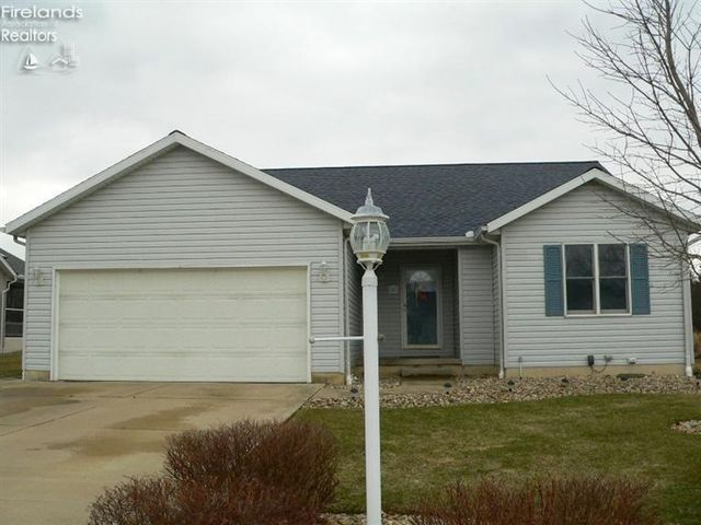 8 Laurel Ln Norwalk Oh 44857 Home For Sale And Real