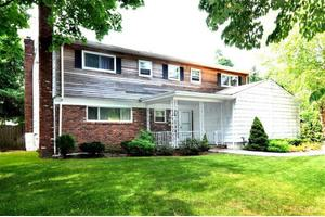 31 Hunter Dr, Eastchester, NY 10709