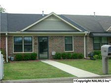 410 Pine St Nw, Hartselle, AL 35640