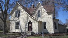 615 10Th St, Ames, IA 50010