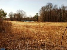 732 W Quillytown Rd, Carneys Point, NJ 08069