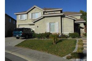 8711 Adamstown Way, Elk Grove, CA 95624