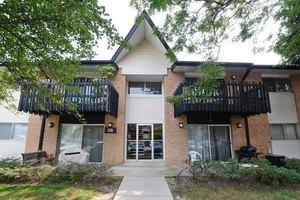 9b Kingery Quarter Apt 107, Willowbrook, IL 60527