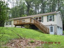 221 Pohopoco Dr Unit 53, Brodheadsville, PA 18322