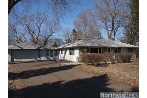 141 Bluwood Ave, Little Canada, MN 55117