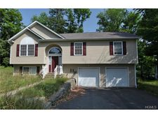 14 Varnell Rd, Monticello, NY 12701