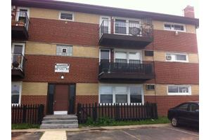 8122 W 87th St, Hickory Hills, IL 60457
