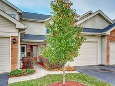 45 S Golfview Ct, Glendale Heights, IL 60139