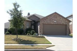 2028 Frosted Willow Ln, Fort Worth, TX 76177