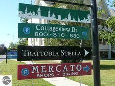 810 Cottageview Dr, Traverse City, MI 49684