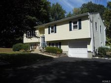 48 Townline Rd, Nanuet, NY 10954