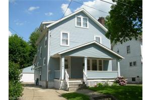 1141 Lily St, Akron, OH 44301