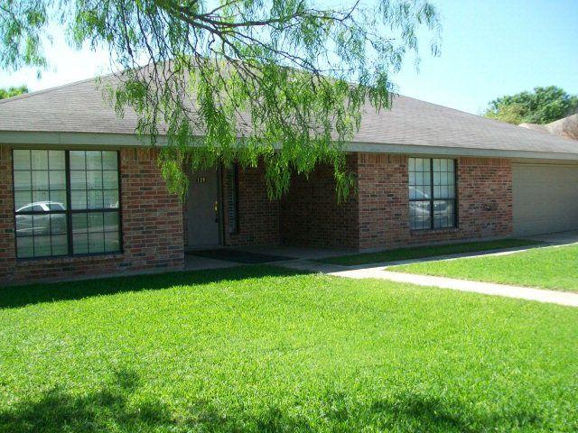 129 Weeping Willow, Uvalde, TX 78801