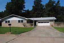 3 N Pineview Dr, Texarkana, TX 75501