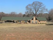 685 White Oak Rd, Reklaw, TX 75784