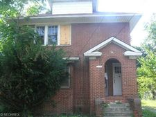 602 East Ave, Akron, OH 44320
