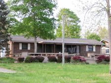 2179 Riverview Dr, Dandridge, TN 37725