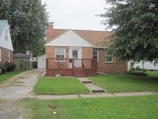 2917 Walnut Ave, Mattoon, IL 61938