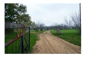 700 Myers Ln, Dale, TX 78616