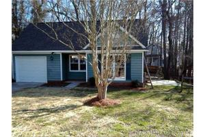 3712 Teaberry Ct, Charlotte, NC 28227