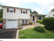 300 Rockledge Ave, Huntingdon Valley, PA 19006