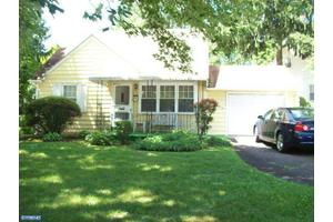 2662 W Moreland Rd, Willow Grove, PA 19090