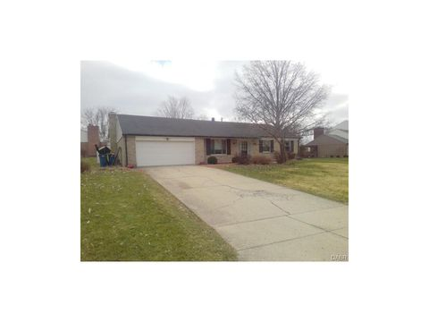 6424 Brushwood Ct, Clayton, OH 45415