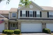 461 Windham Cove Dr, Crystal Lake, IL 60014