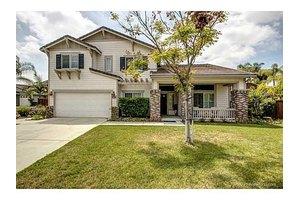 3285 Oak Wood Ln, Escondido, CA 92027