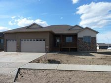 604 Canyon Rd Sw, Mandan, ND 58554
