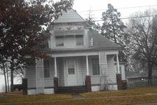 1407 4th St, Gilbertville, IA 50634