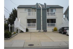 223 E 2nd Ave Apt 100, North Wildwood, NJ 08260