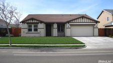 23 Walker Ranch Pkwy, Patterson, CA 95363