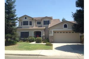 8238 N Winery Ave, Fresno, CA 93720