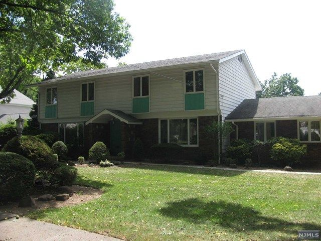 110 Edgemont Pl Teaneck Nj 07666 Home For Sale And