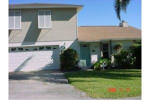 3920 River Oak Ln, Micco, FL 32976