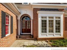 1 Sleepy Hollow Rd, Guilford, CT 06437