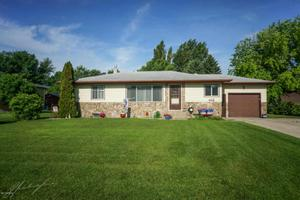 432 12th N Ave, Casselton, ND 58012