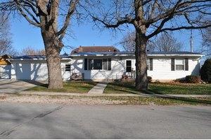 103 North St, Fayette, IA 52142