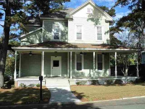 Photo of 222 W Sharon St, Quincy, FL 32351