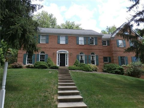 2525 Morton Rd, Upper Saint Clair, PA 15241
